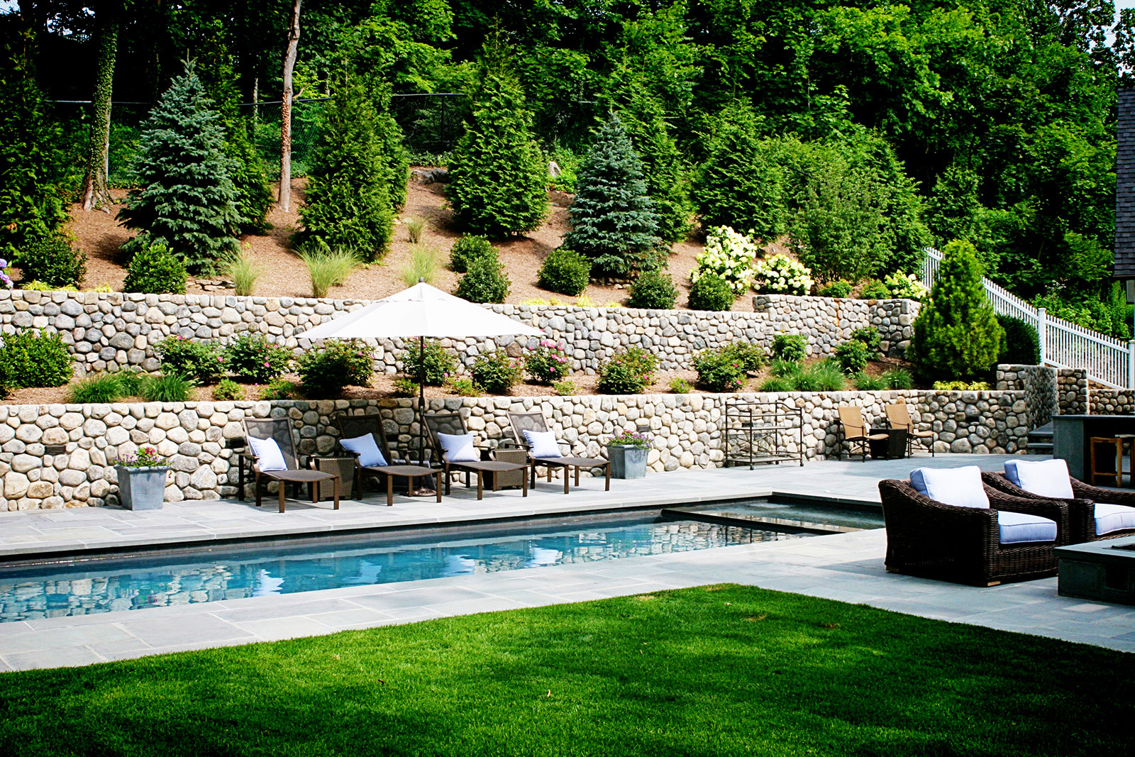 landscape masonry retaining walls in New Canaan CT